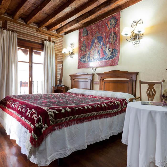 Habitaciones de la Hospedería Casa de Cisneros - Toledo