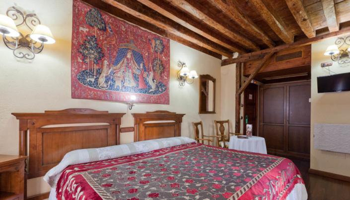 Alojamiento en el Casco de Toledo - Hospedería Casa de Cisneros